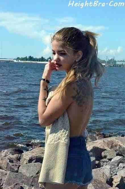 Leonie Kranzle Backless Pic