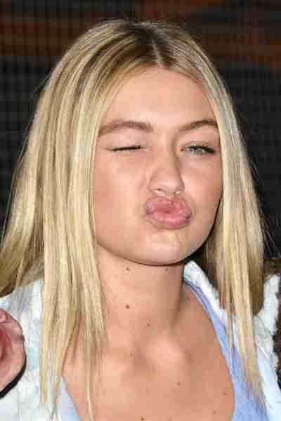 Gigi Hadid Hot Kissing