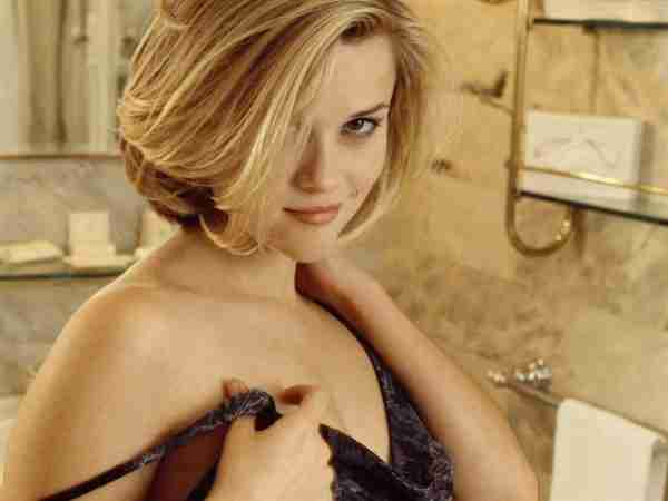 Reese Witherspoon Boobs Size